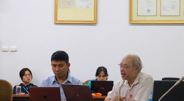 """Sinh viên Khoa tiếng Anh tham dự tọa đàm """"Cuộc chiến Thương mại Mỹ - Trung"""""""