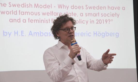 Diễn đàn Đại sứ: Đại sứ Thụy Điển tại Việt Nam Pereric Högberg