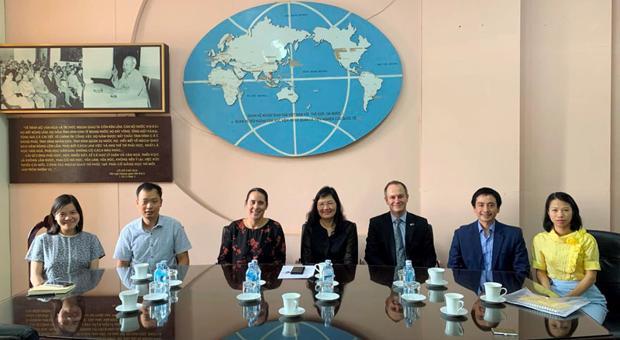 Quyền Giám đốc Phạm Lan Dung tiếp Đại sứ New Zealand