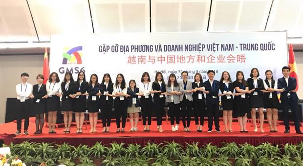 Sinh viên Học viện Ngoại giao phiên dịch cho Hội nghị Thượng đỉnh Tiểu vùng sông Mekong GMS 6