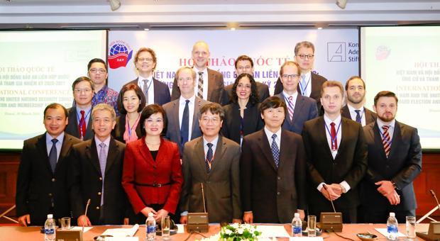 Diễn đàn Đại sứ tháng 04/2018: Tọa đàm với Đại sứ Pháp Bertrand Lortholary về quan hệ ngoại giao Việt - Pháp nhân dịp 45 năm thiết lập quan hệ ngoại giao giữa hai nước