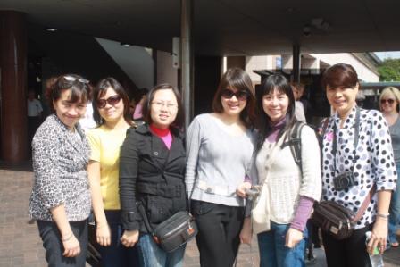 Đoàn cán bộ Học viện thăm và làm việc với Đại học Victoria