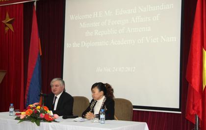 Trao đổi với Bộ trưởng Ngoại giao Armenia