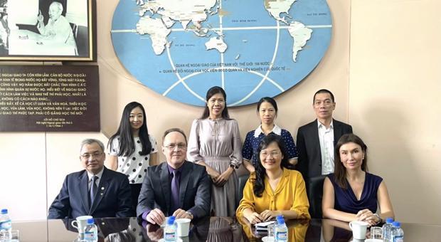 Quyền Giám Đốc Học viện tiếp Đại sứ đặc mệnh toàn quyền Liên bang Nga