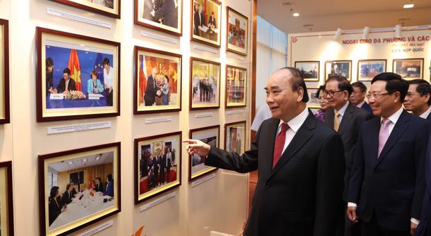 [GIỚI THIỆU BÀI VIẾT] Hoạch định chiến lược đối ngoại vì mục tiêu phát triển, an ninh và nâng cao vị thế Việt Nam từ nay đến năm 2030, tầm nhìn đến năm 2045