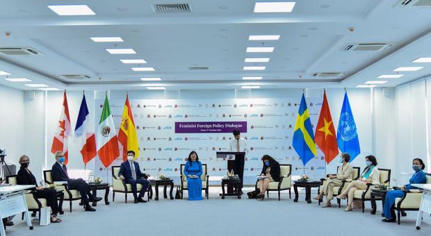 """Đối thoại """"Nâng cao vai trò của phụ nữ trong chính sách đối ngoại"""" - Feminist Foreign Policy Dialogue"""